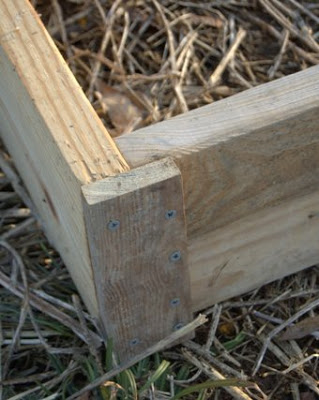 building a raised bed - corner