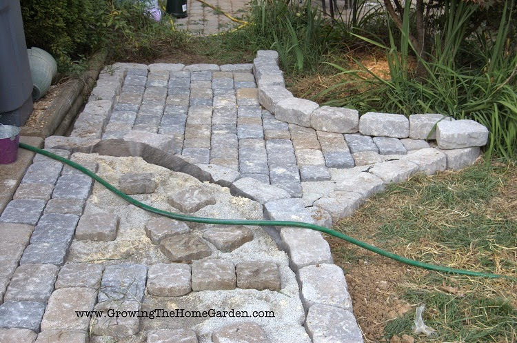 Building A Paving Stone Pathway Growing The Home Garden