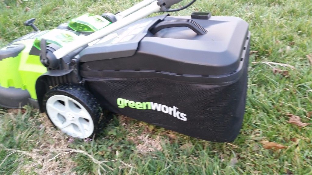 Greenworks-40W-GMAX-20-inch-twin-force-lawn-mower