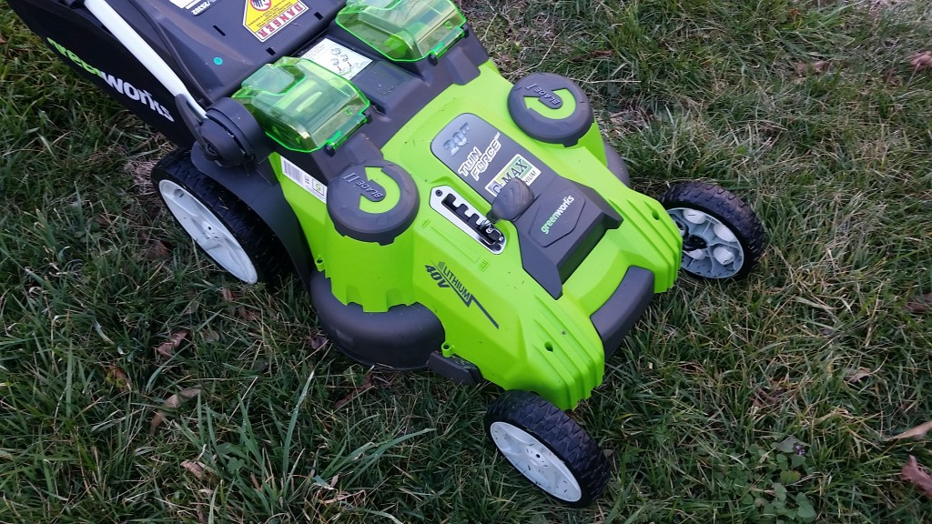 Greenworks-40W-GMAX-20-inch-twin-force-lawn-mower (6)